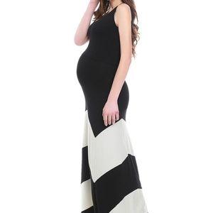 Kimi + Kai Maternity Abstract Maxi Dress long
